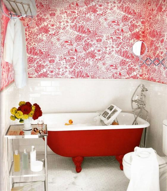 Baño Pintado De Rojo:Atrévete con el rojo en el cuarto de baño